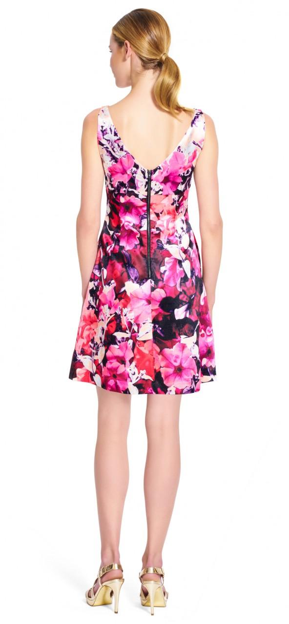 Vestido de cóctel con estampado floral