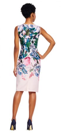 Vestido floral de oasis con escote bordado y transparente