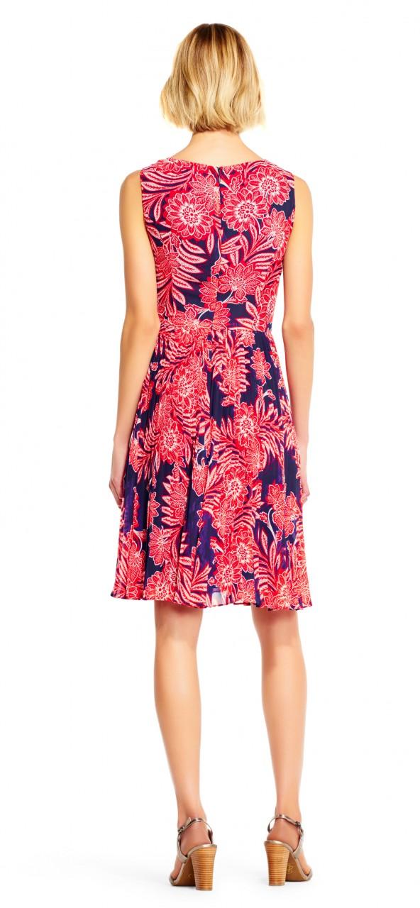 vestido de chifón con diseño paisley