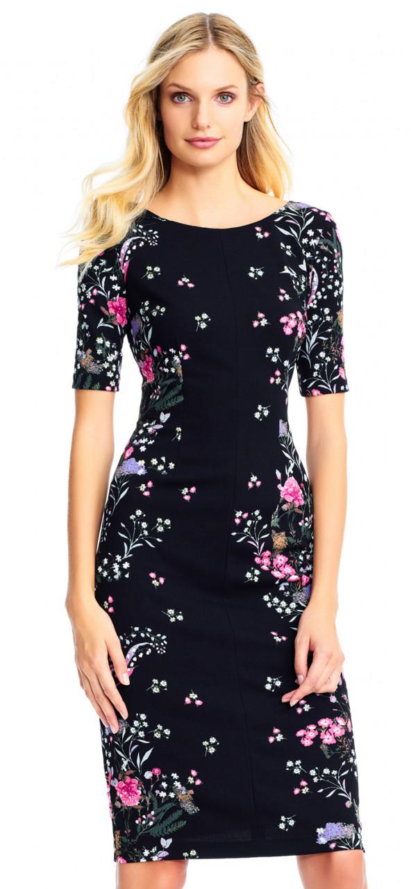 Vestido midi con diseño de flores de jardín y mangas cortas