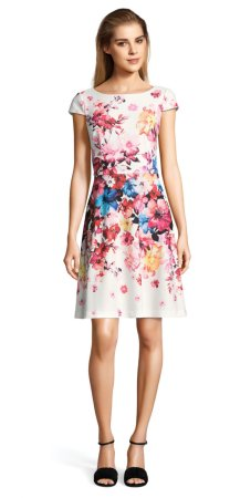 vestido floral con manga corta
