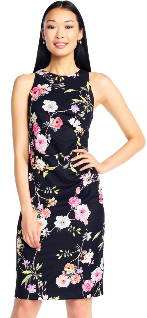 Vestido ajustado con estampado de grandes flores