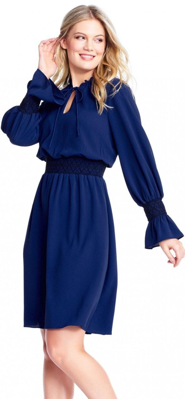 vestido de gasa y manga larga con cuello vuelto