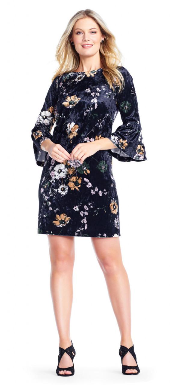 vestido de terciopelo floral de terciopelo con manga campana
