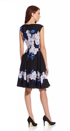 Shadow rose pleated dress
