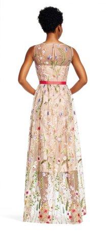 Vestido high-low con bordado floral y falda transparente