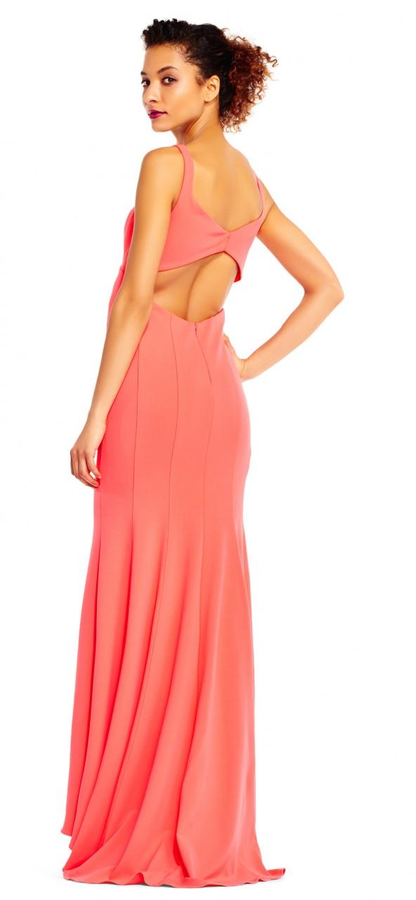 Vestido de sirena sin mangas y recorte en la espalda