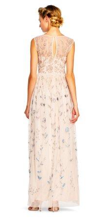 Vestido de noche floral con aplicaciones y escote transparente