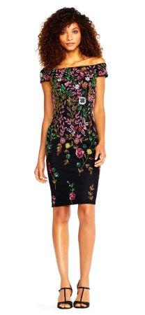 vestido con brillantes y cuentas florales