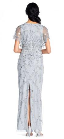 vestido de aplicaciones florales con mangas onduladas festoneadas
