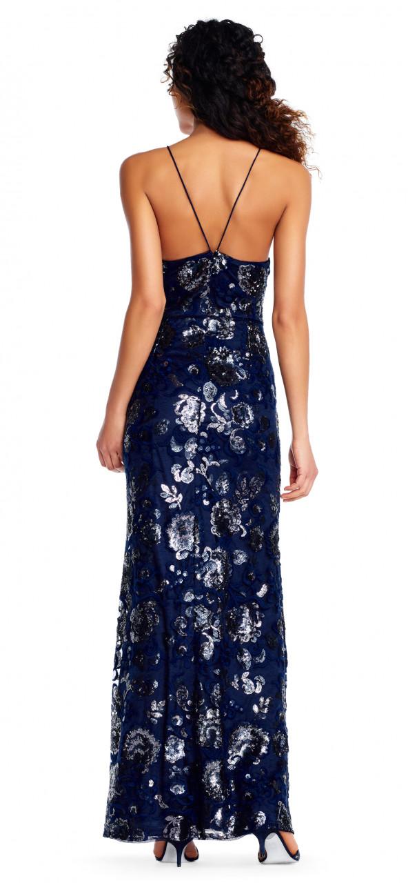 Vestido largo halter de organza con aplicaciones de lentejuelas en adornos florales