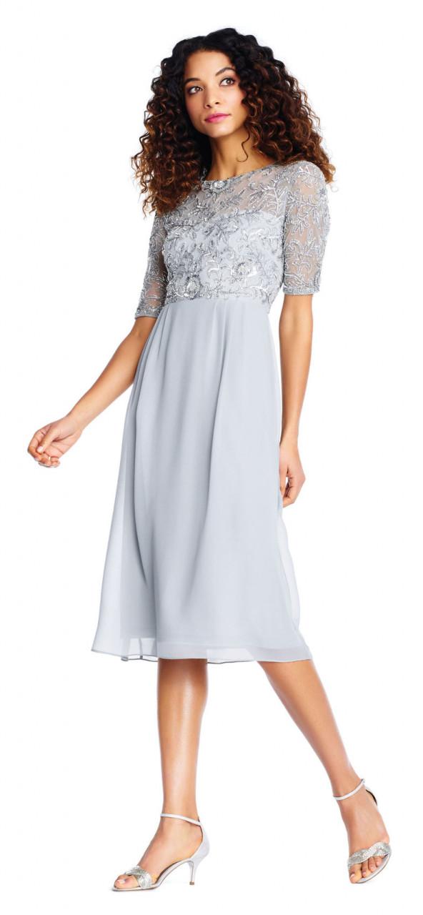 vestido midi de manga corta con corpiño de aplicaciones