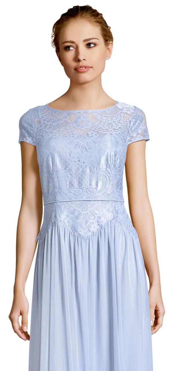 vestido de tul con manga corta y corpiño de encaje metálico