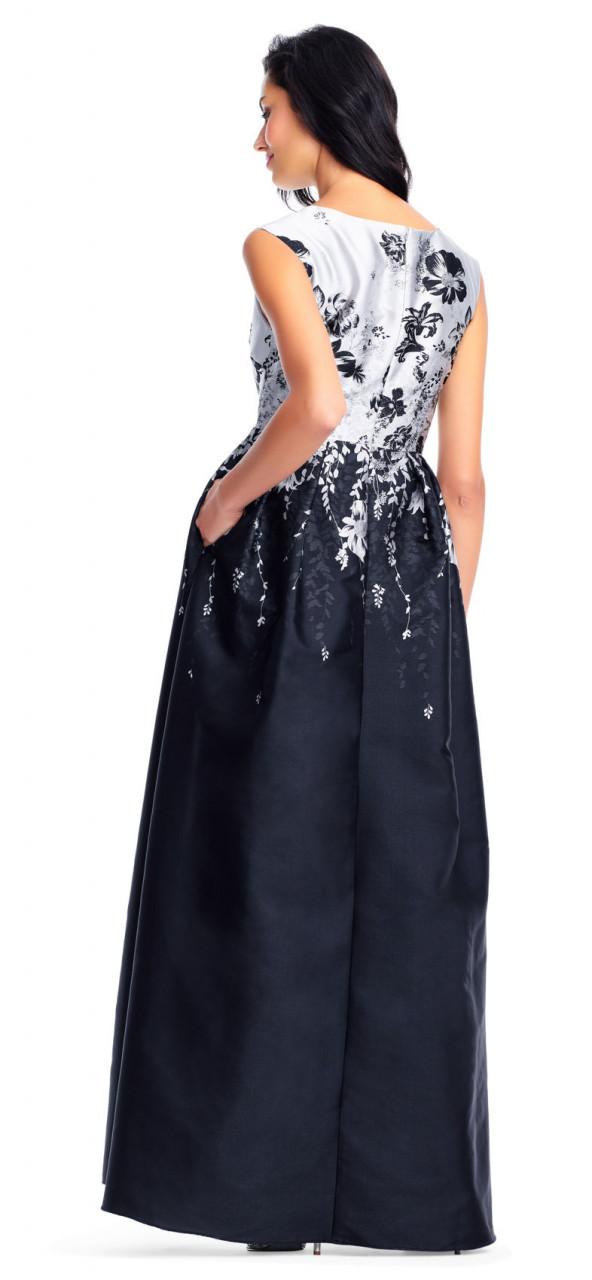 vestido sin mangas con escote en V