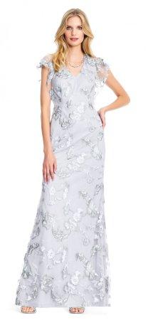 Vestido de flores bordado con mangas onduladas transparentes