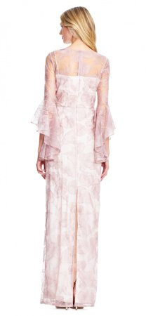 Vestido floral con mangas transparentes de campana