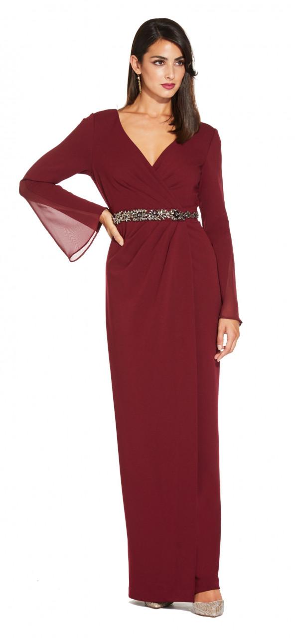 vestido de crepé de manga larga de gasa con cintura de piedras