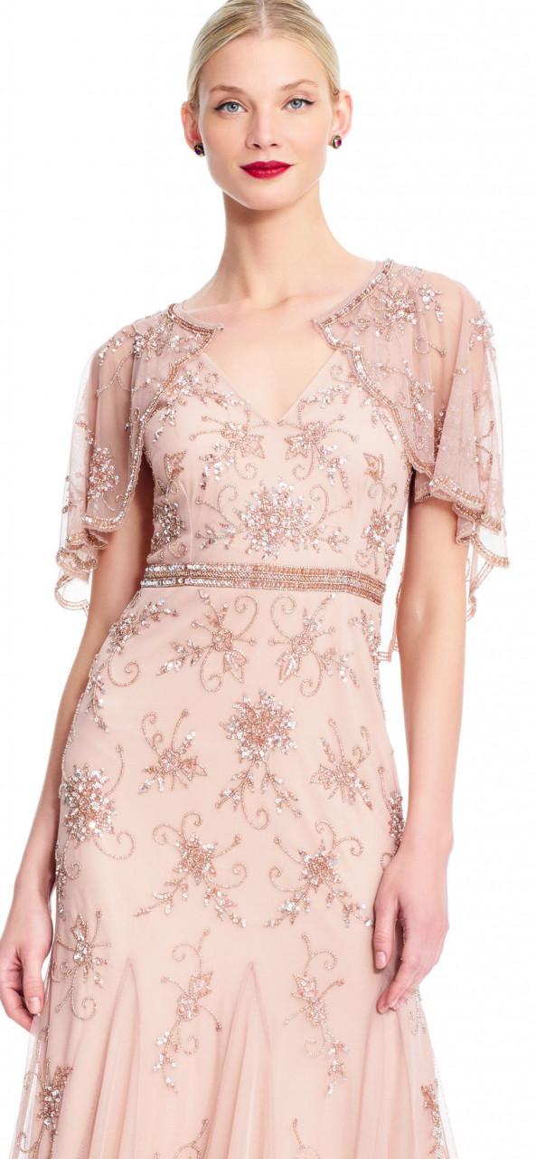 vestido de cuentas florales con capa desmontable