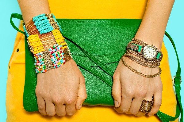 El Verano Se Viste De Colores Vibrantes Con Bolsos Que Definitivamente ¡deslumbran!