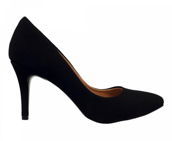 Zapatilla negra cerrada tipo gamuza Coyote y Olivia C2600