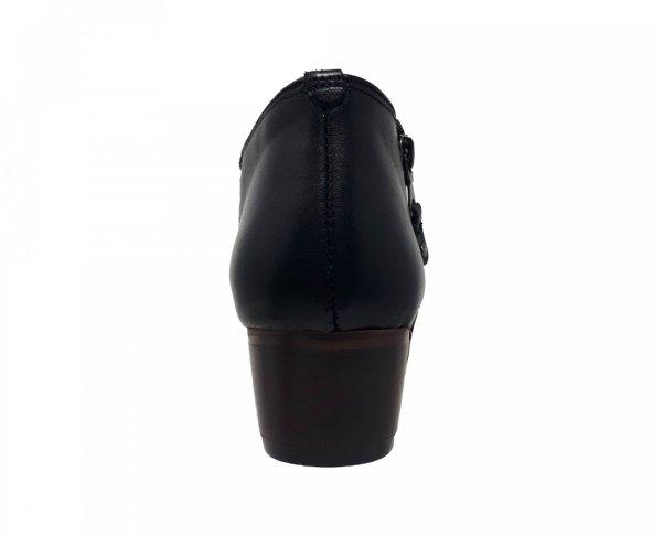 Botín negro en piel para mujer Fabián Arenas 1000