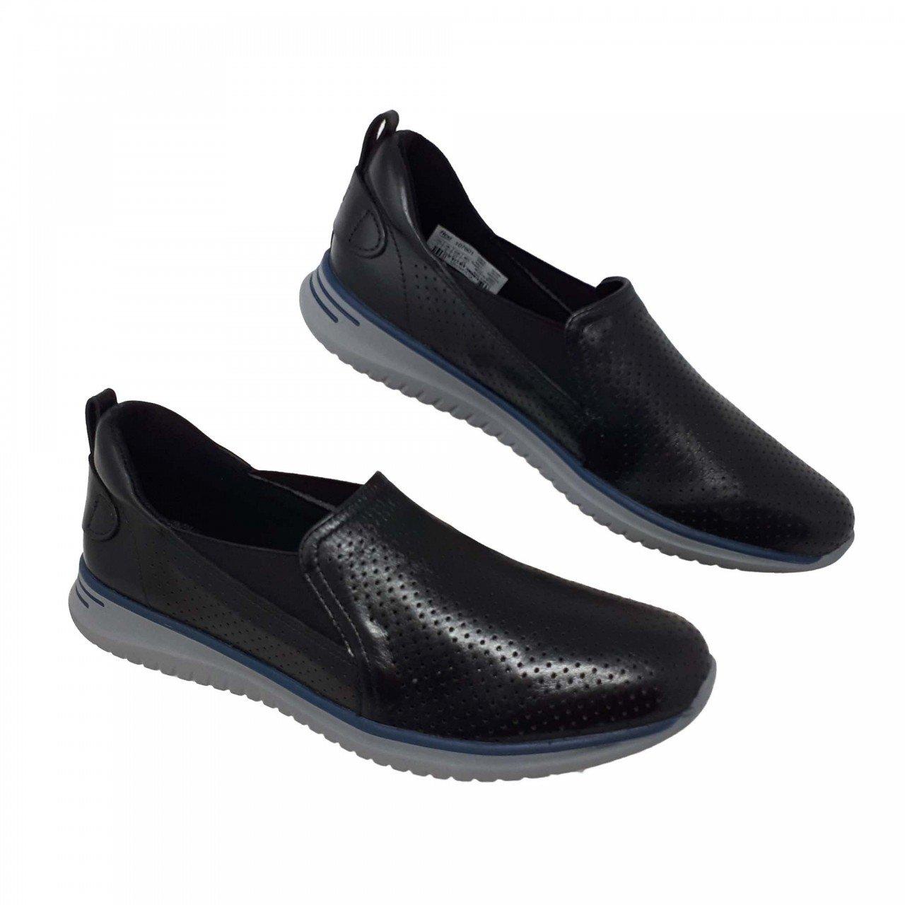 Zapato ligero negro para mujer en piel Flexi 107601