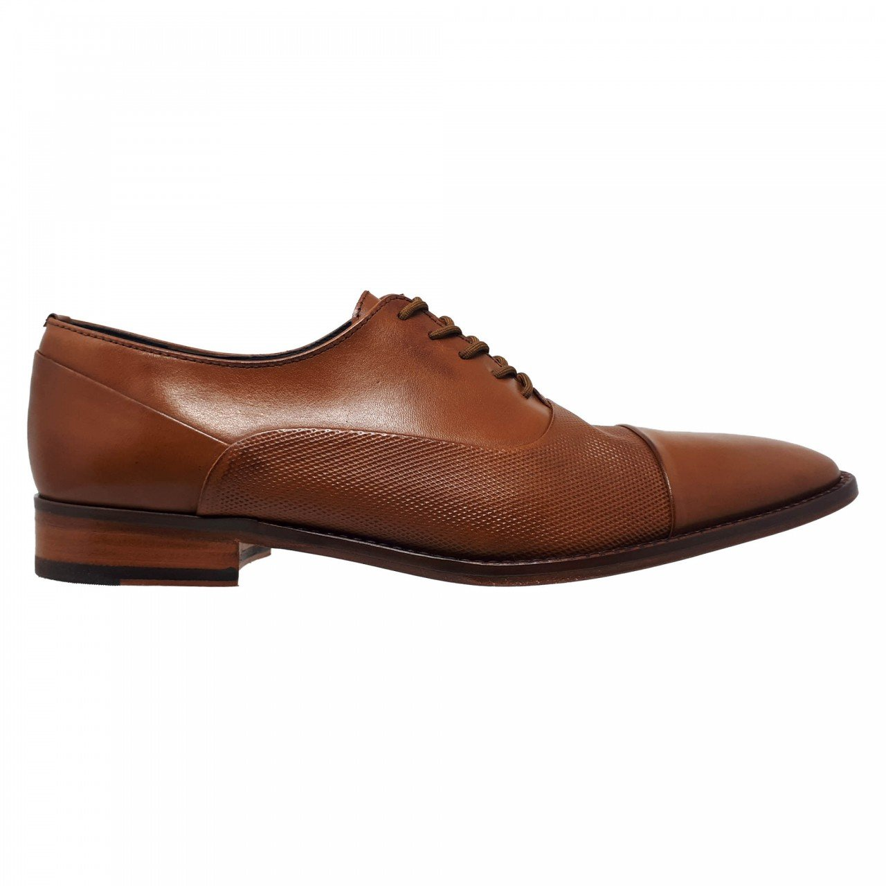Zapato de vestir café miel para hombre Gino Cherruti 1712