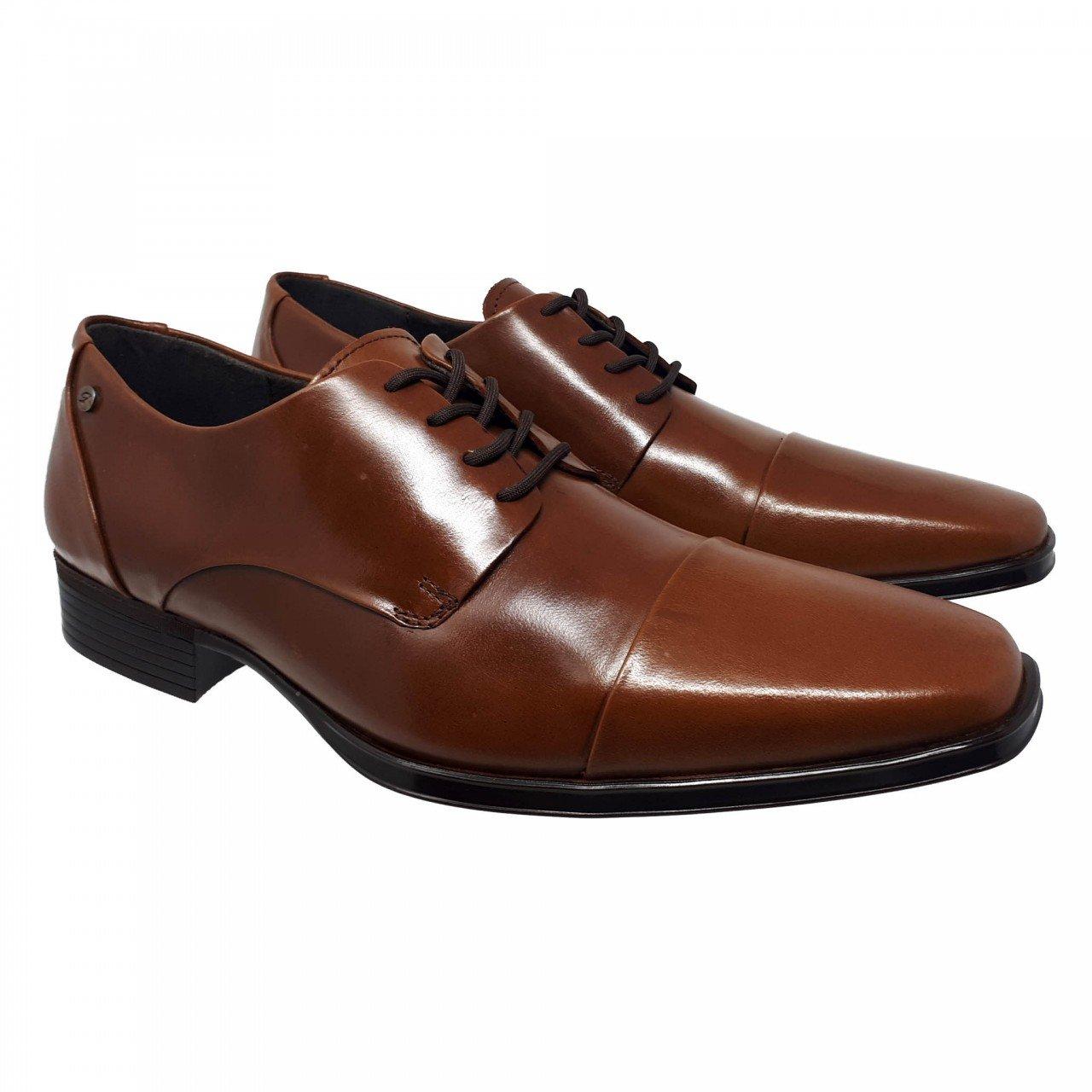 Zapato de vestir café para hombre Gino Cherruti 4610
