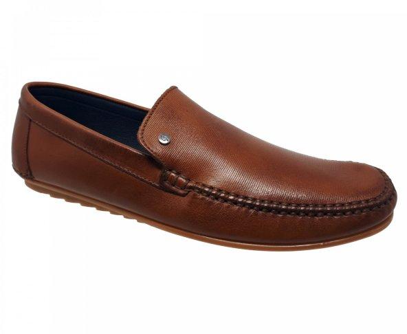 Zapato mocasín café para hombre Gino Cherruti 4900