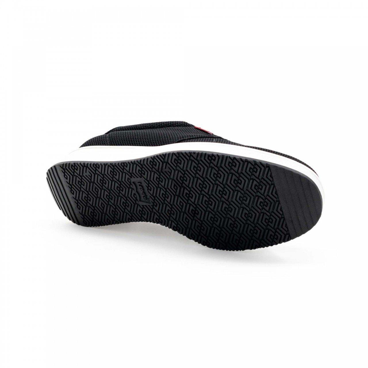 Tenis negro textil para mujer Levis 111281