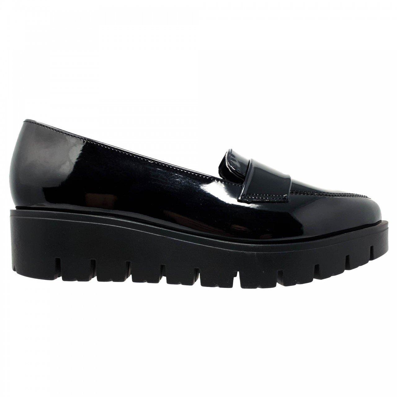 Zapato mocasín charol negro para mujer Perugia 40074