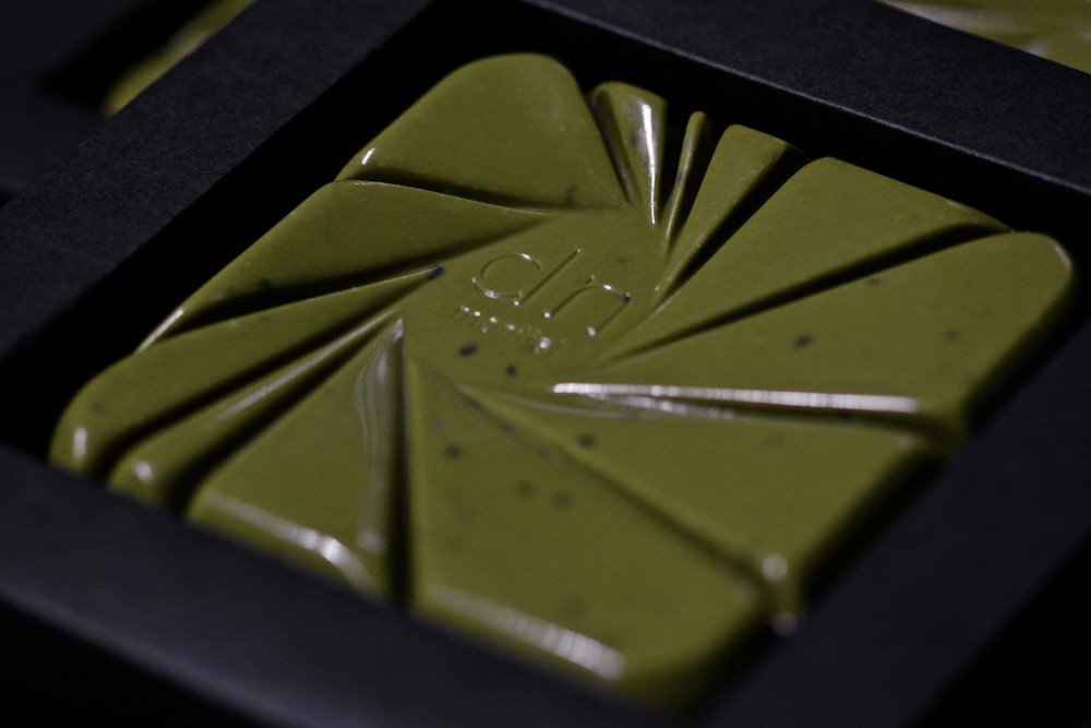 TABLETA DE CHOCOLATE 32% CON TÉ MATCHA