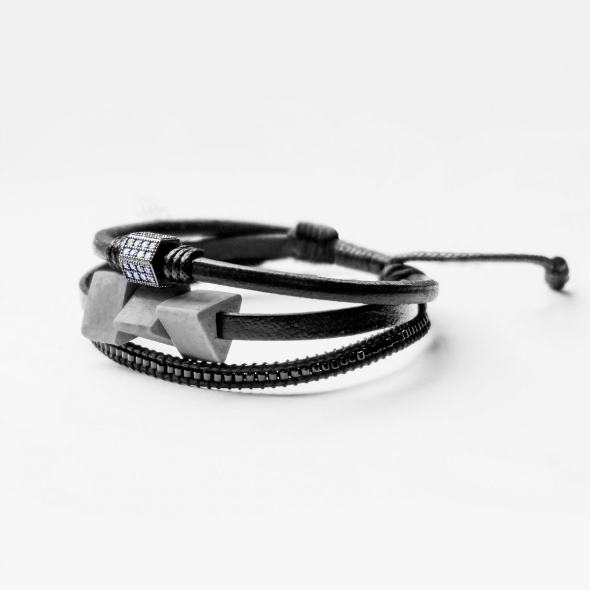 TRINITY Leather Black