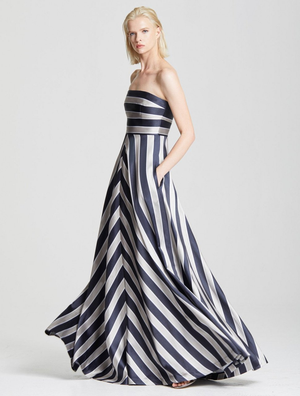 STRIPE STRUCTURE GOWN