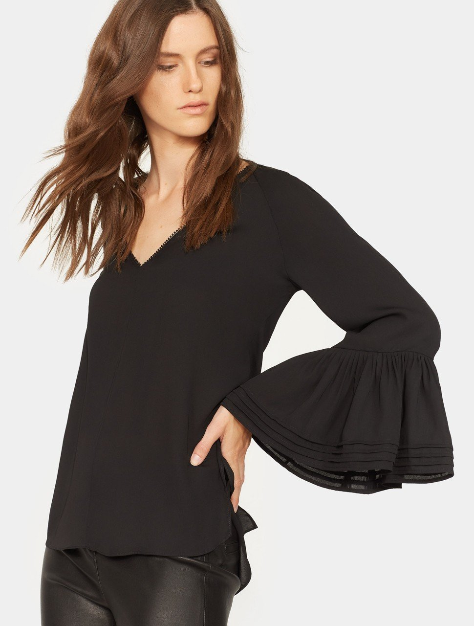 LONG SLEEVE V NECK RUCHED TOP