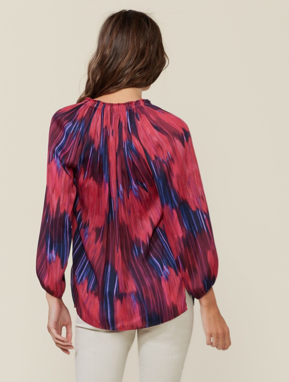 PRINTED LONG SLEEVE RUCHED NECK TOP
