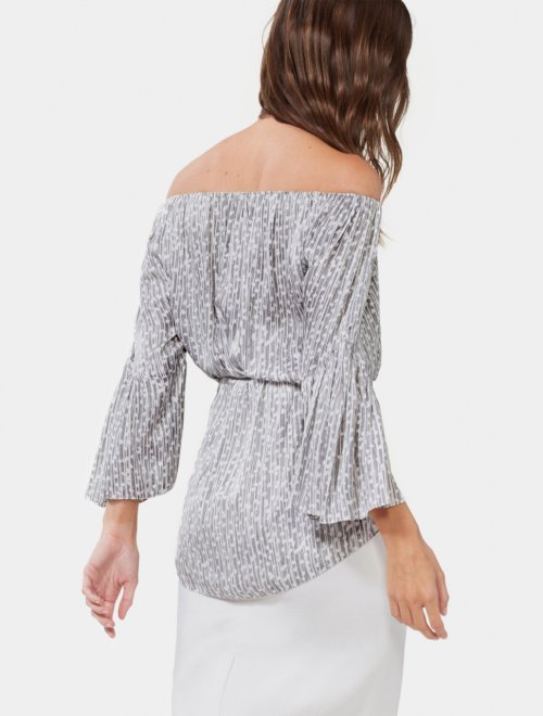 FLOWY SLEEVE TOP WITH SASH