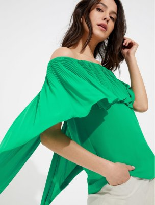 OFF SHOULDER PLEATED SILKY GEORGETTE TOP