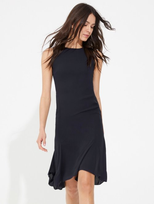 RUCHED BACK ZIPPER DETAIL FLOWY DRESS