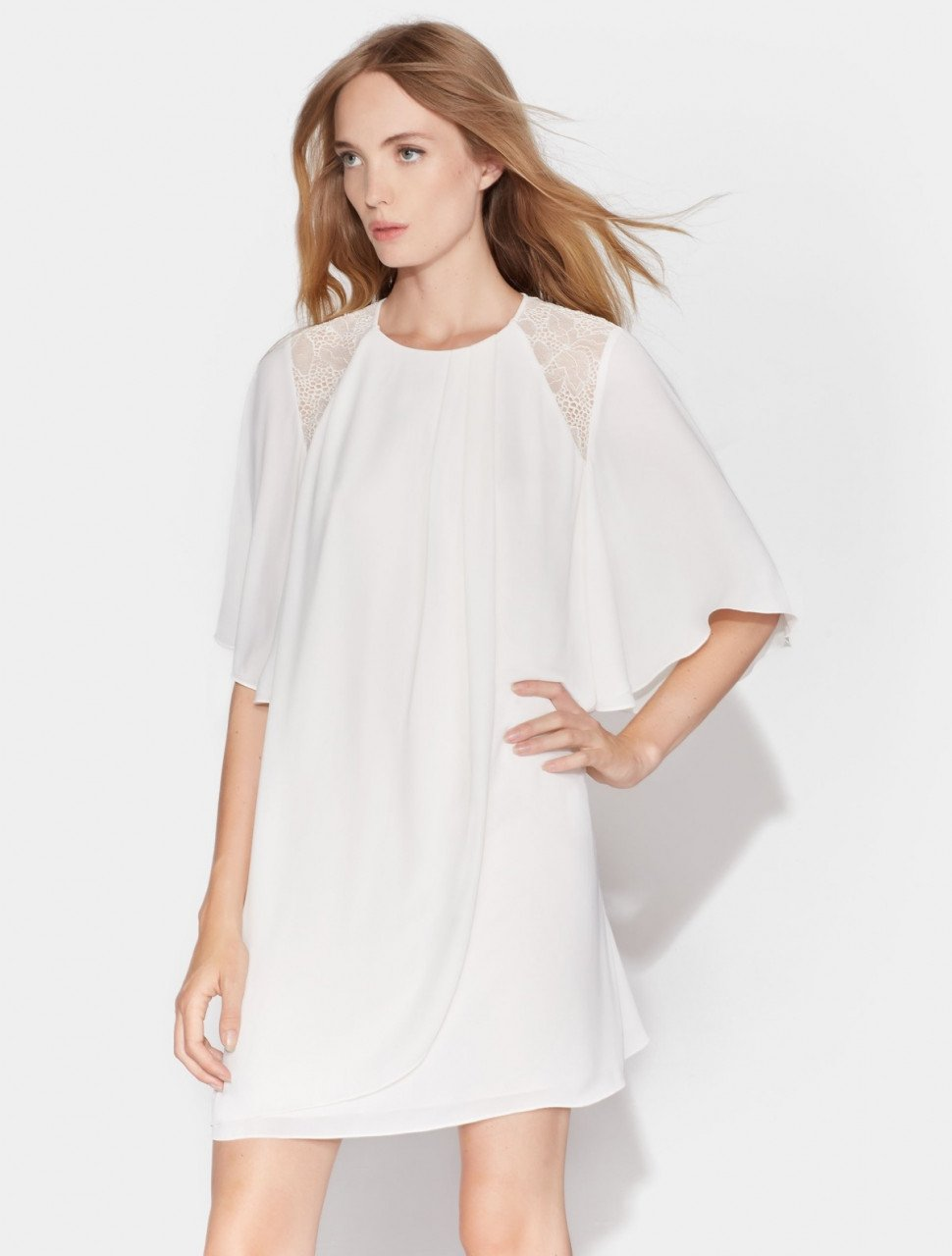 FLOWY SHORT SLEEVE DRESS WITH LACE