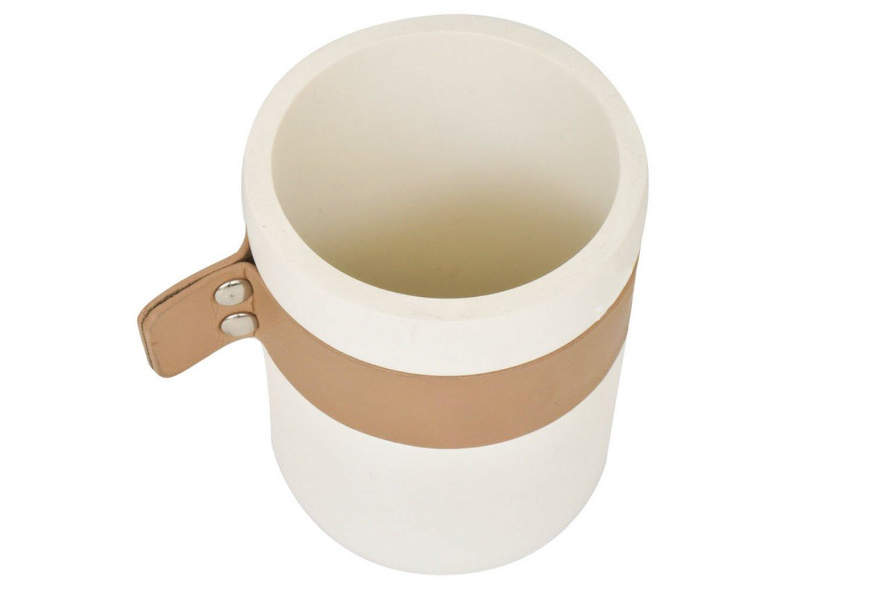 Porta Cepillos Redondo de cerámica color blanco con aplicación Vini piel color Camel