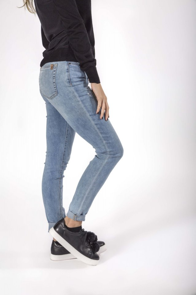 roled skinny ankle
