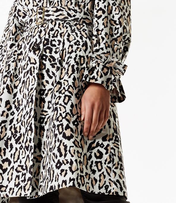 Gabardina con estampado leopardo