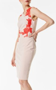 Vestido tubo bordado floral