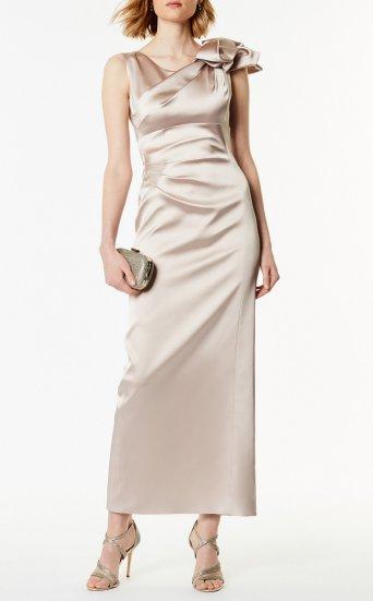 Vestido extralargo asimétrico satén