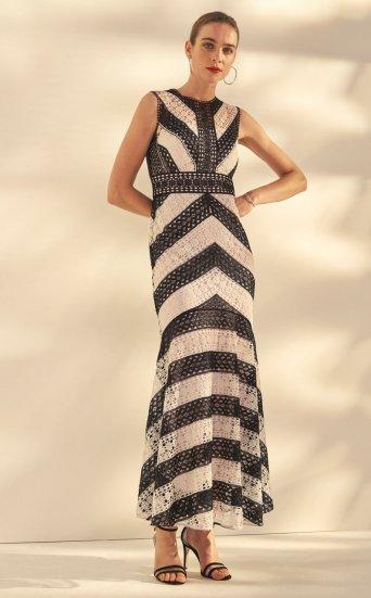 Vestido largo encaje bordado