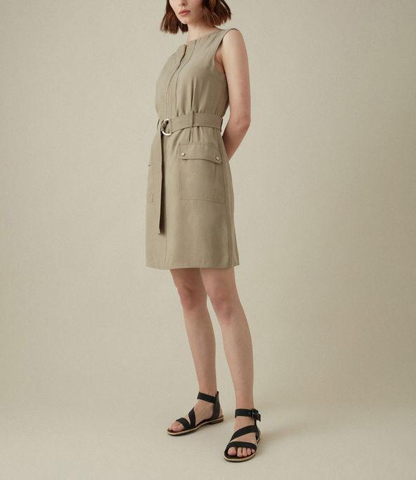 Vestido uniformado sin mangas
