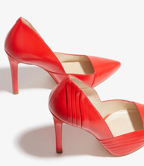 Zapatos salón detalle plisado