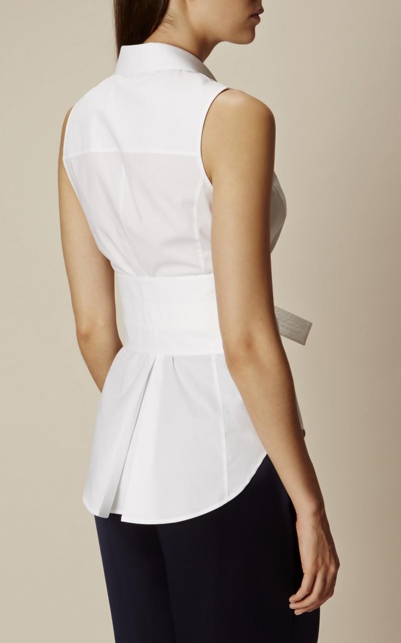 Camisa blanca deconstruída
