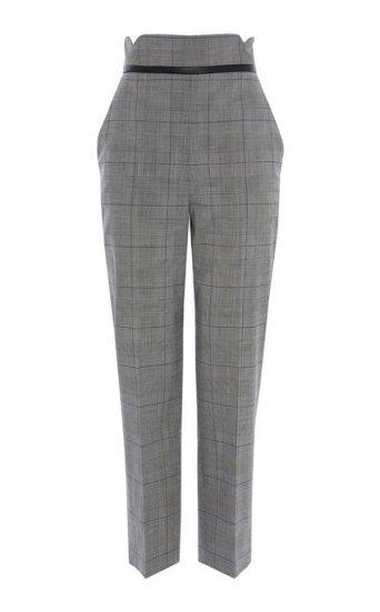 Pantalones entallados a cuadros